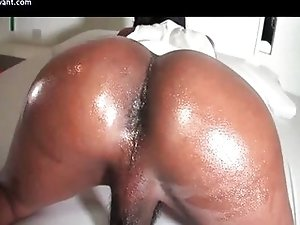 Ebony shemale doing blowjob
